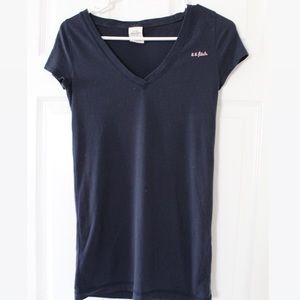 Abercrombie & Fitch Basic Tee